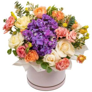 """Цветы в коробке """"Очарование"""""""
